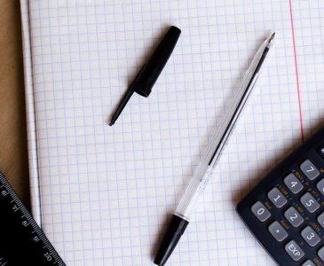 maths-calculator-ruler-pen